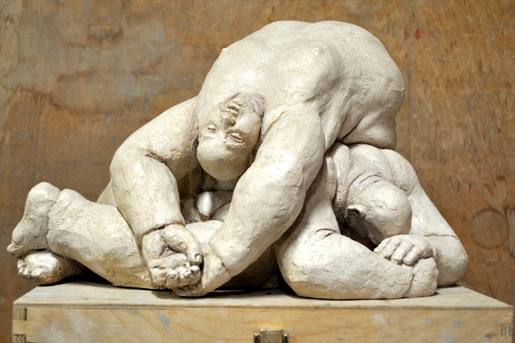 ai-caduti-scultura-pietrasanta